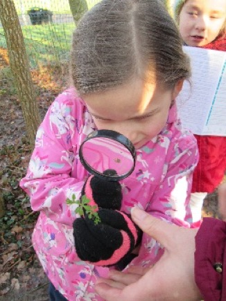 Children experience the seasons and learn about where they live